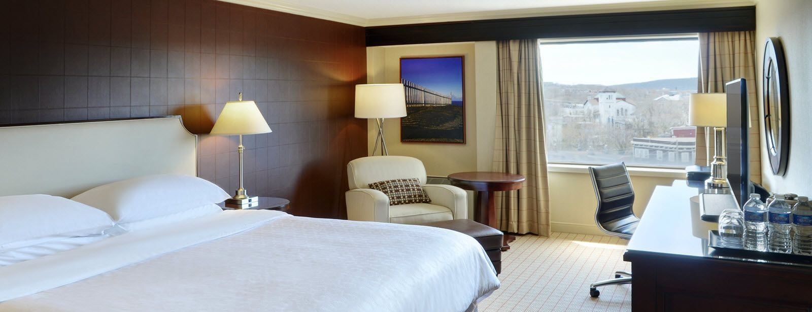 Sheraton Hotel Newfoundland Accommocations - Traditional King Guest Room